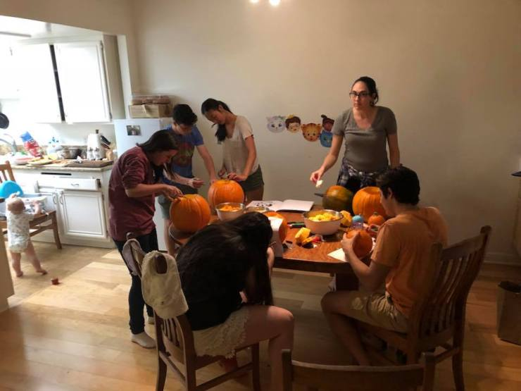Pumpkin Carving Fall 2018
